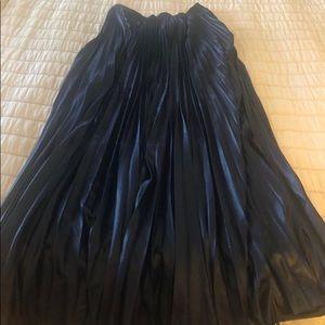 Pleated metallic look maxi skirt